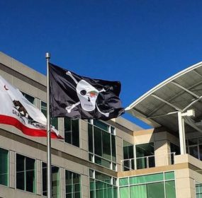 pirate flag at apple