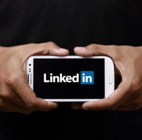 linkedin-mobile-phone-1024x588